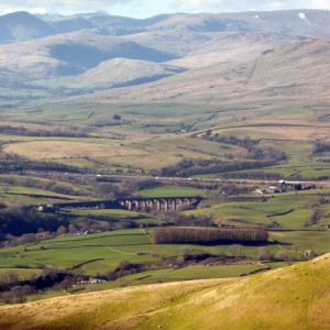 Lowgill Viaduct with Howgills